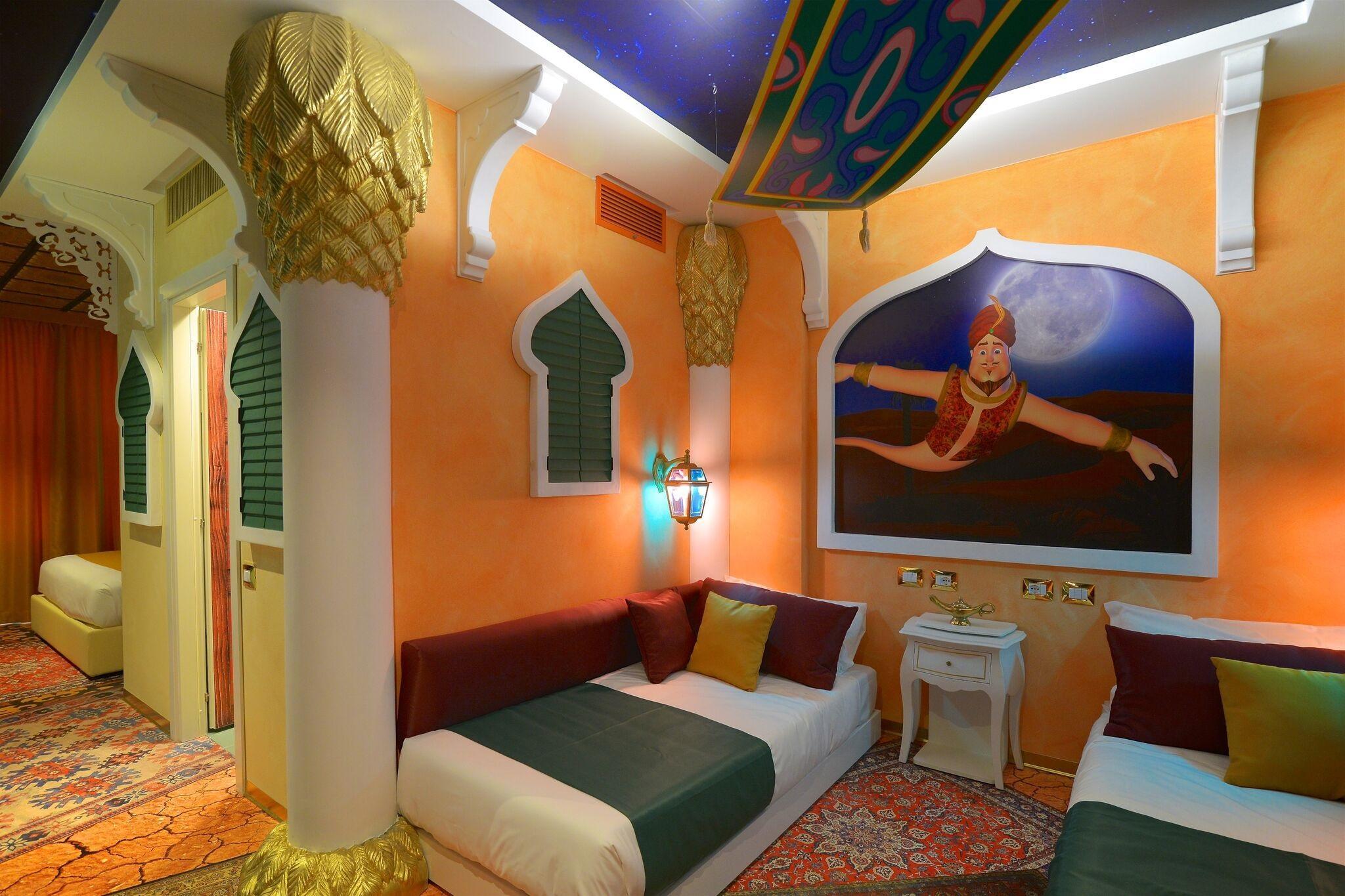 Camere Disneyland Hotel : Stanza igloo o western gardaland apre il primo hotel a tema