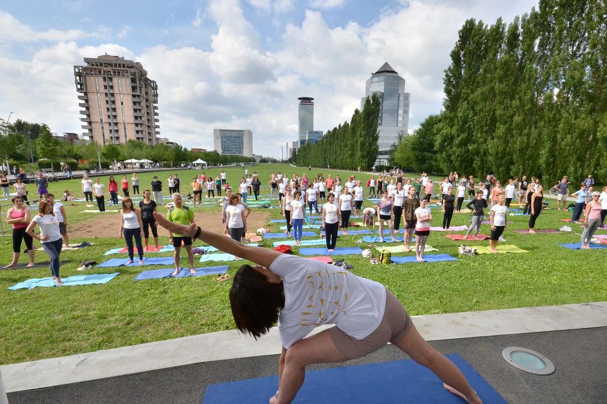 Ginnastica Yoga Pilates E Altro E Sport Gratis Al Parco Giornale Di Brescia