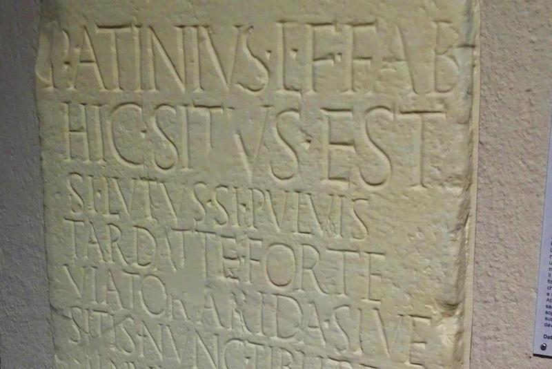 Museo archeologico, epigrafi «clonate» con la stampa 3D