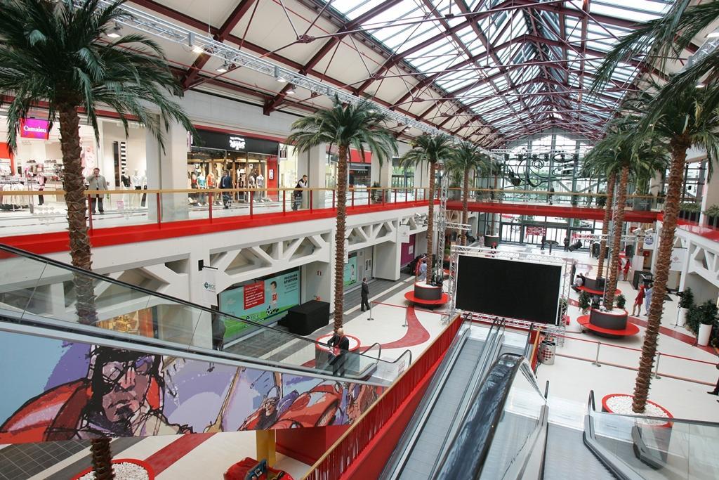 I negozi del Centro Commerciale Freccia Rossa
