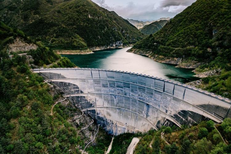 La diga del lago di Valvestino - Foto © www.bresciatourism.it