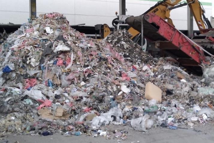 Sigilli all'impianto di triturazione rifiuti non a norma