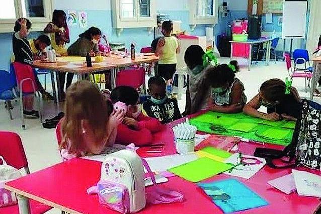 Bambini e ragazzini che fanno attività di gruppo - © www.giornaledibrescia.it