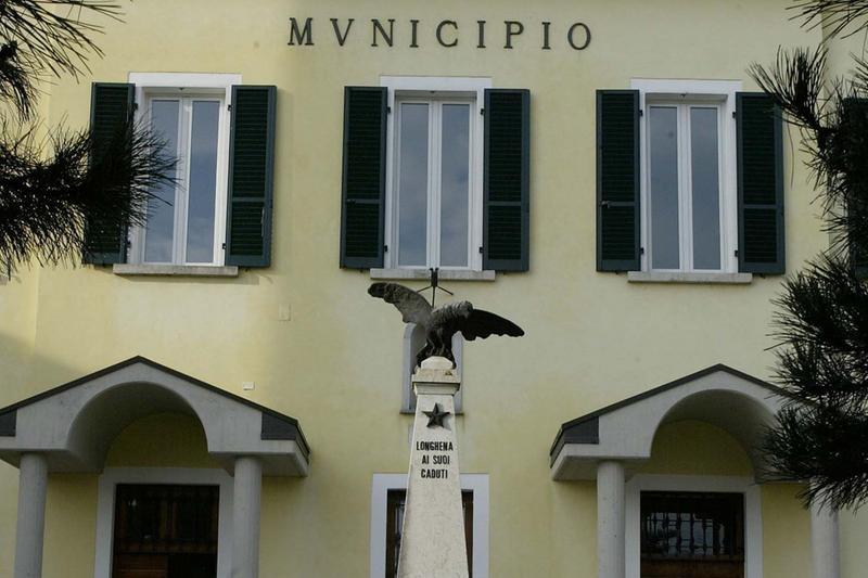 Il municipio di Longhena - Foto © www.giornaledibrescia.it