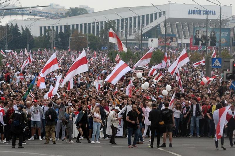 Una protesta a Minsk, in Bielorussia, contro Lukashenko ad agosto 2020 - Foto Epa © www.giornaledibrescia.it