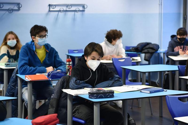 Studenti in classe con la mascherina - Foto © www.giornaledibrescia.it