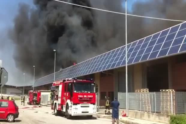Bagnolo Mella Incendio Sul Tetto Di Un 39 Azienda Giornale