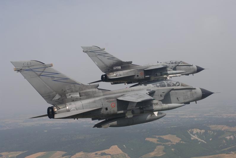 Aeroporto Ghedi : Aeronautica all aerobase di ghedi tutti i tornado d