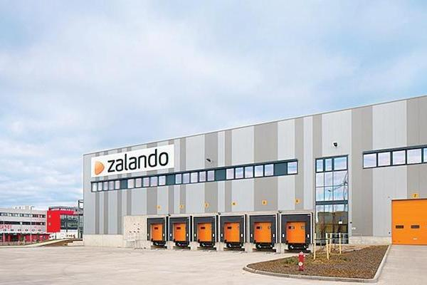 Zalando nuovo hub a nogarole mille posti di lavoro in for Zalando sedie cucina
